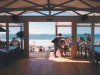 Offerta di lavoro nell'isola di Antiparos, con vitto e alloggio