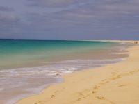 Vendesi bar pasticceria a Boa Vista nell'isola di Capo Verde