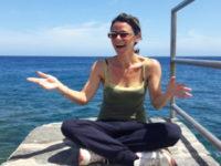 Videointervista a Simona, italiana che lavora girando il mondo