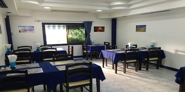 Vendesi ristorante italiano a Pattaya - Tavoli