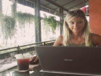 Videointervista a Sheila, italiana che ha lasciato un lavoro sicuro per seguire i suoi sogni
