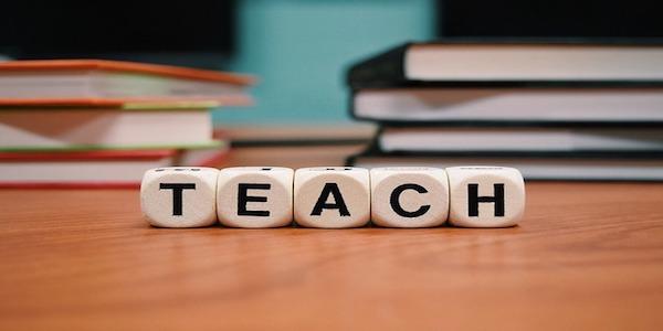 Offerta di lavoro per insegnanti italiani in Est Europa
