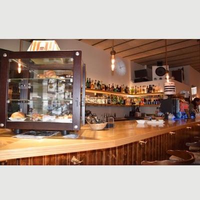 Vendesi caffetteria e vinoteca vicino Barcellona - Bar