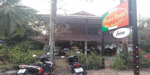 Vendesi ristorante italiano in un'isola thailandese - Ingresso