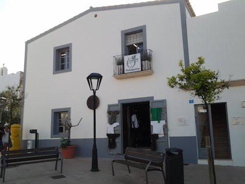 Vendesi negozio di parrucchiere a Formentera - Esterno