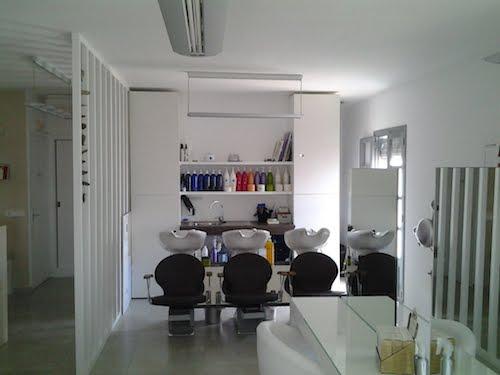 Vendesi negozio di parrucchiere a Formentera - Lavare