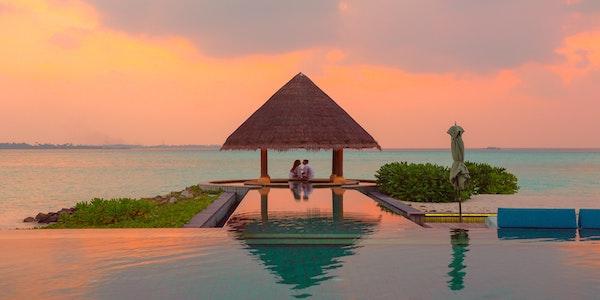 Resort assume hostess a Dubai
