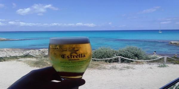 Vendesi locale a Es Pujols, Formentera
