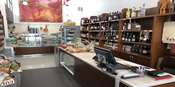 Vendesi negozio di prodotti alimentari italiani in Grecia