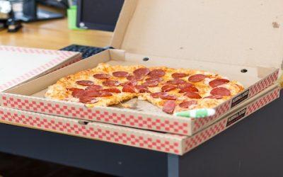 Si assume pizzaiolo e cuoco in Inghilterra