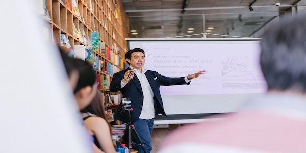 Si assume insegnante di italiano in Kazakhstan