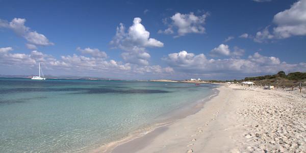 Offerta di lavoro a Formentera con alloggio
