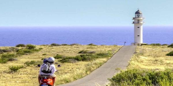 Si assume guida turistica per le isole Baleari